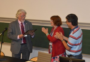 David Singleton being presented with the EuroSLA Distinguished Scholar Award by former presidents Florence Myles and Jean-Marc Dewaele